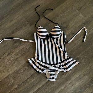 Size Large maternity bathing suit